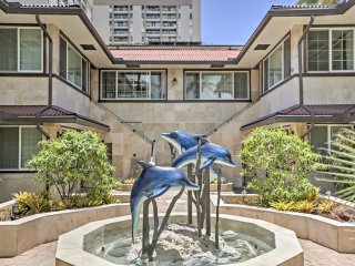 NEW! 2BR Honolulu Apartment w/ Canal Views!