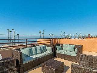 Ocean View Steps to Beach Roof Top Deck Myers C