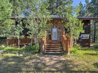3 BR Pendaries Cabin w/ Large Deck & Pond View!