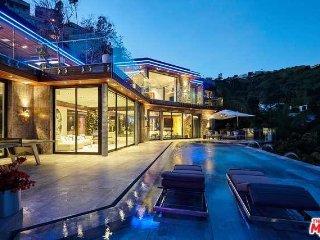 An Entertainer Dream home !