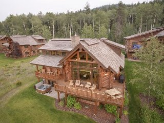 Teton Springs Luxury 5 Bedroom Cabin - Sleeps 14! - Close to Jackson Hole!