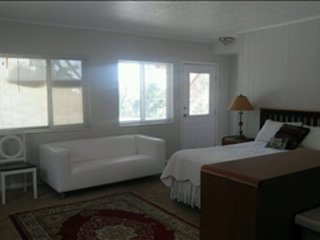 U of U Foothill Drive area Studio Apt w Parking