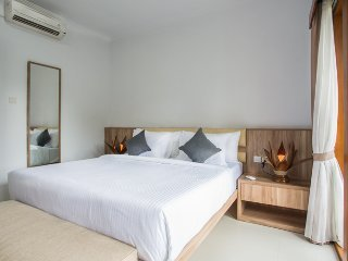 Seminyak Room Suites 7 Eat Street PREMIUM LOCATION - Modern Bedroom