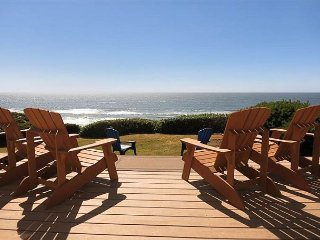 Popular Single-Level Newport Oceanfront w/ Panoramic Views, Deck & Fireplace!