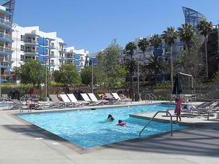 Walk to the Beach! Resort style , Up to 6 people - Marina del Rey