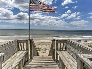 Nautical Oceanfront Beach House in Oak Island!