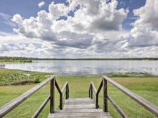 New! 1BR Silver Springs Cabin w/  Lakefront Deck!