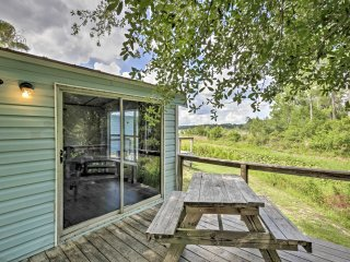 New!​ 1BR Silver Springs Cabin w/Lake & Forest Views