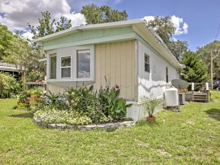 New! 2BR Silver Springs Home w/ Screened-In Porch