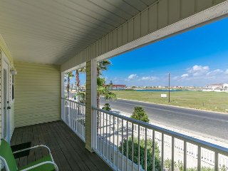 Area Not Impacted by Hurricane: 3BR Beach Haven Townhouse w/Pool, Canal Views