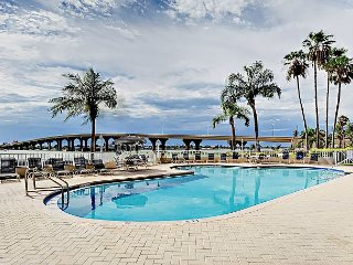 Updated 2BR in Oceanfront Resort – In-Ground Pool & Hot Tub on