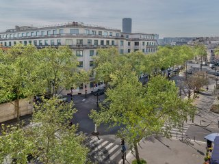 STUNNING DUPLEX 3BR-2.5BA APT IN TOUR EIFFEL WITH AIRCON-PARIS VIEWS