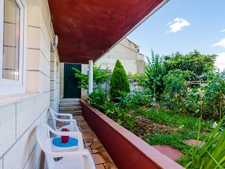 Apartments & Room Lino - Comfort One Bedroom Apartment with Terrace and Sea View