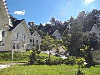Casa de 3 quartos condomínio Lake View próximo ao Capivarí