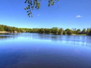Kawartha Lk, Kirkfield, 5 BR, 20 Slps, Lake Access Across, Year Round , $349