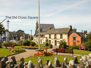 The Old Cross Square