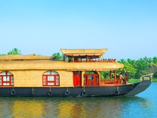 2 bedroom Luxury houseboat to stay