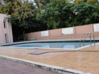 Contemporary 2 BHK with a pool, ideal for groups