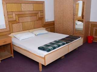 Decent accommodation for 3