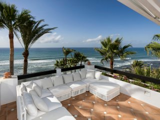 THE ONE - Beachfront 4 bedroom penthouse in Puente Romano