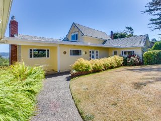 Charming, historic home w/ lovely bay views - convenient in-town location