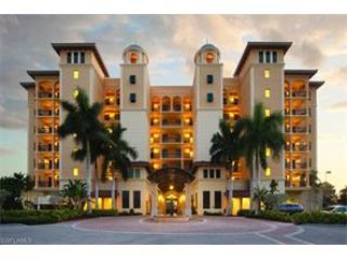 3 Bed Updated Condo in the Center Of Marco Island