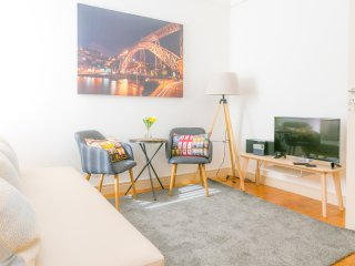 Liiiving in Porto | Light Spacious Apartment