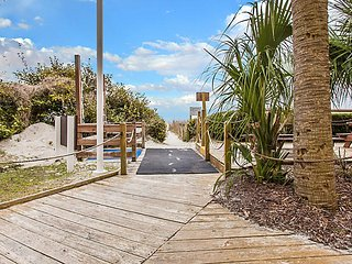 Shore Crest Vacation Villas II MARSHVIEW 2BD 2 Bath. sleep 6, Boardwalk to Beach
