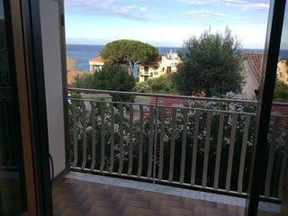 Deliziosa casa vacanze ad Acitrezza con terrazza vista mare