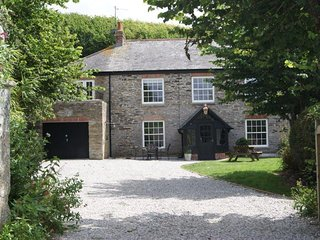 Lanthorn House - Porthcothan Bay - sleeps 10 lux 4*