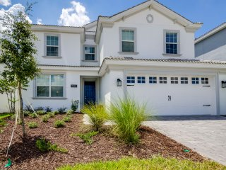 New Luxury 6BR 6bth Champions Gate home w/private pool & spa from $233 a night!