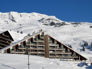 Apartment Les Cimes, Portes du Soleil. 4 people. Excellent location