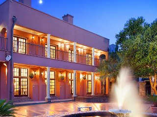 The Lodge Alley Inn, July 4th, 1 BR, Historic Charleston
