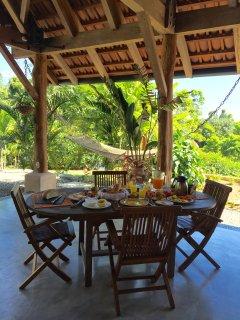 Breakfast at the main house of Puri Mas