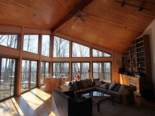 6 Bedroom, 9 Beds, Luxury Estate on 165 Acres with Lake, 2hrs from NYC