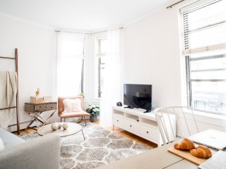 Designer 2  bedroom in West Village