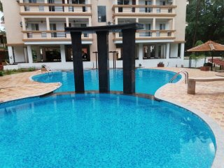 Luxurious 2 bhk pool and garden facing suite near Baga!