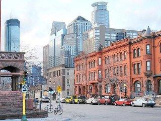 Downtown Minneapolis 1886 Historic Brownstone - STUDIO  #102