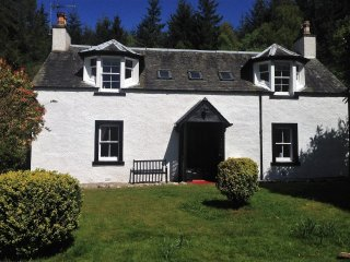 PE617 Cottage in Callander