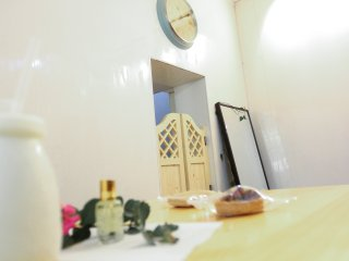 French Concession Cozy Loft - Right by Line 1 and 7 Changshu Lu Stop