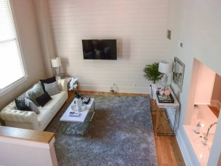 In The Heart Of Downtown! Amazing Renovated Loft!