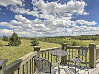 Charming Fairplay House w/ Hot Tub, Deck  & Views!