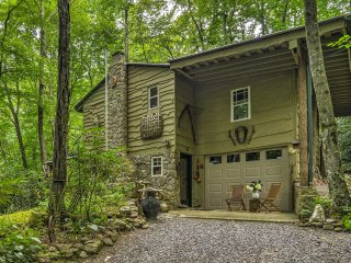 Waterfall Cabin in the Pisgah National Forest!