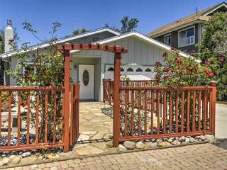 'Grove Cottage' 2BR Home by Morro Bay w/ Hot Tub!