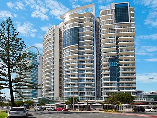 Reflections Tower 2 Unit 304 - EASTER SCHOOL HOLIDAY SPECIALS CALL NOW!