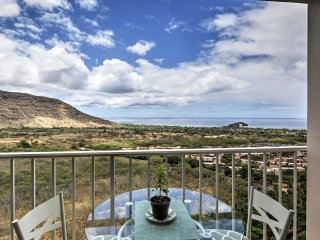 Lovely Makaha Condo w/Private Lanai & Ocean Views!
