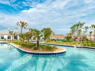 3148PP. Lovely 4 Bedroom 3 Bath Luxury Town Home with Pool