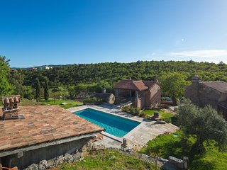Picturesque Villa Malini with Swimming Pool, Children's Pool and BBQ