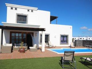 Hipoclub Villas, Zafiro 24,Luxurious Villa near the coast With Private Pool