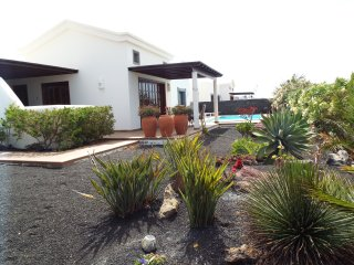 Villa in playa blanca with Private Heated Pool, Free Wifi with bbc ,itv channels
